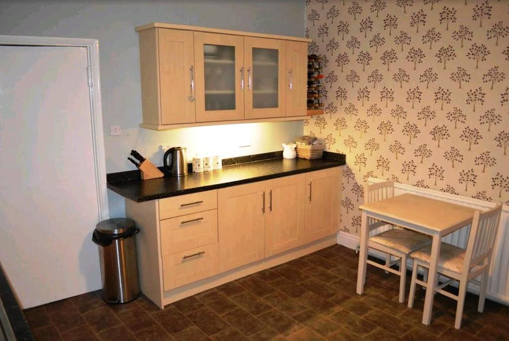 Kitchen Area S60 ...