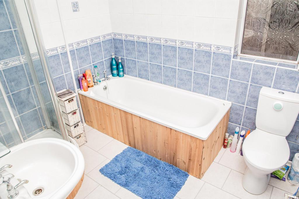 Bathroom S64 9BN