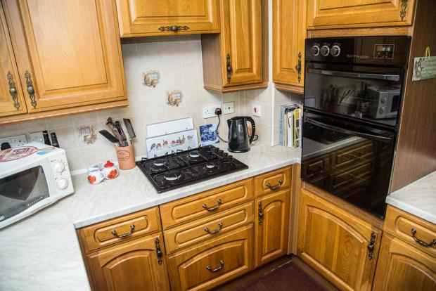 Kitchen S66 8HB