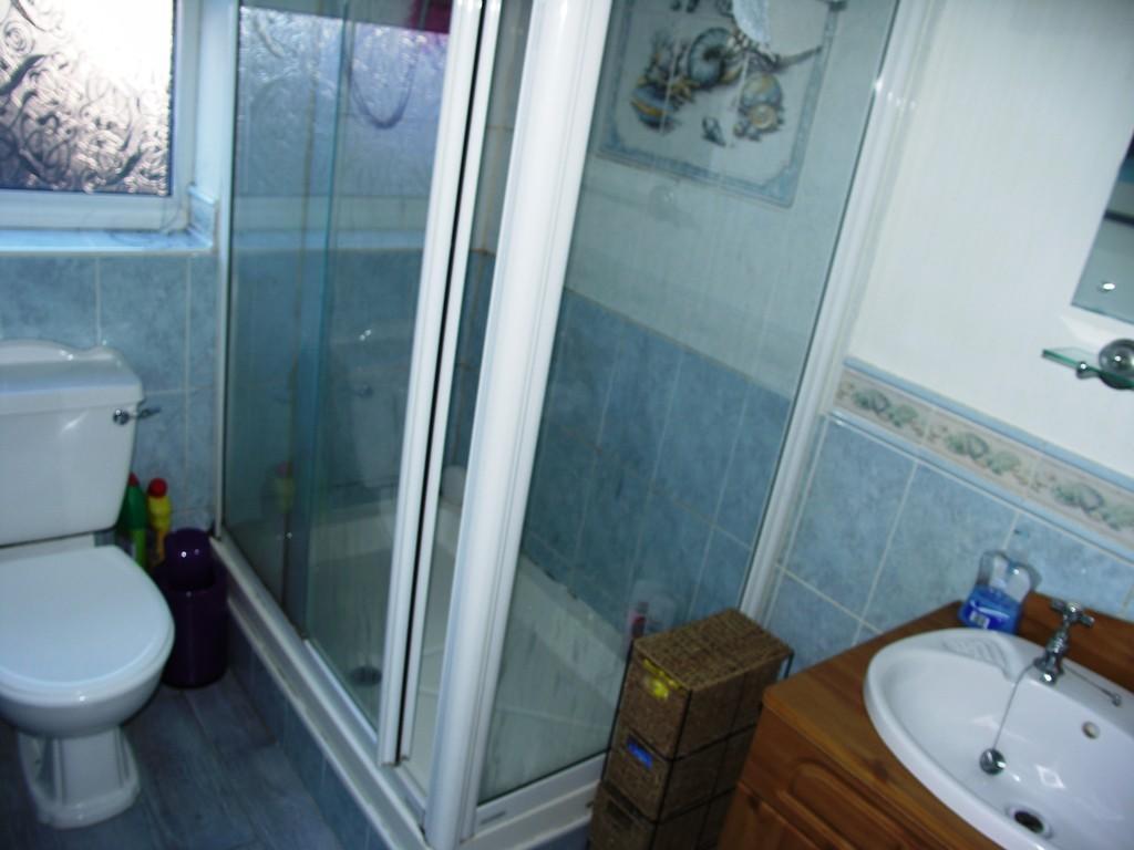 Shower Room S66 9...