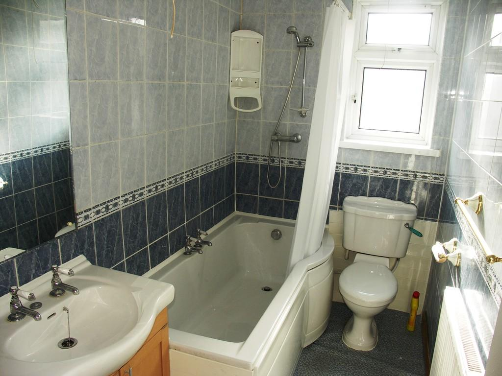 Bathroom S65 1RW