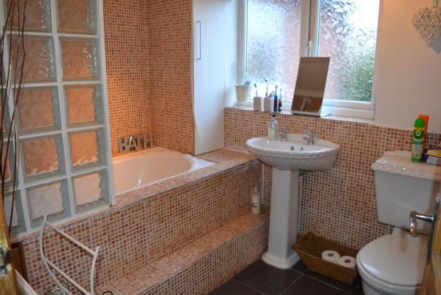 Bathroom S66 2PQ...