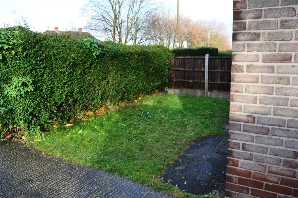 Front Garden S61 ...