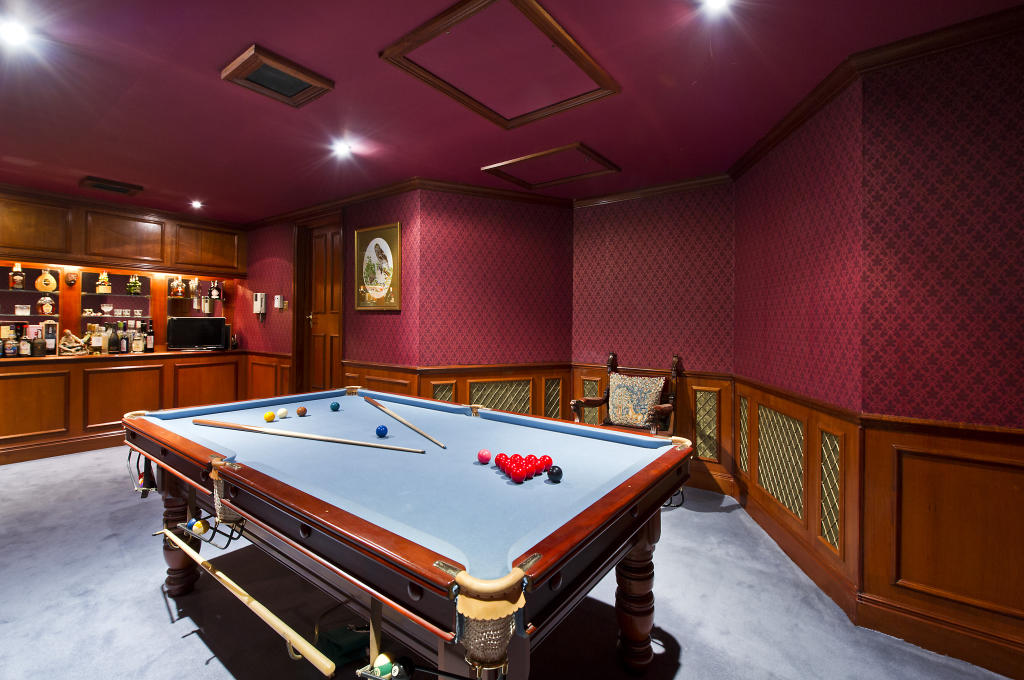 7 bedroom house for sale in hyde park street london w2 for Pool room design uk