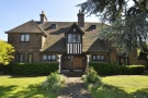 5 bed Detached house in Hawthorne Road, Bickley...