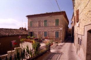 5 bed Town House for sale in Le Marche, Ascoli Piceno...