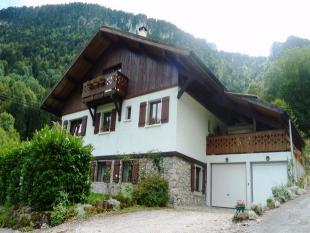 6 bedroom Detached house in La Vernaz ...