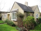 2 bedroom Detached Bungalow in Gloucester Lane...
