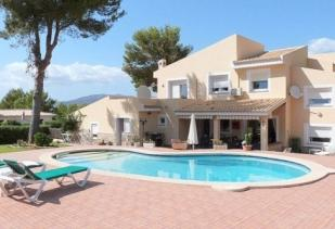 4 bed Detached Villa in Santa Ponsa, Mallorca
