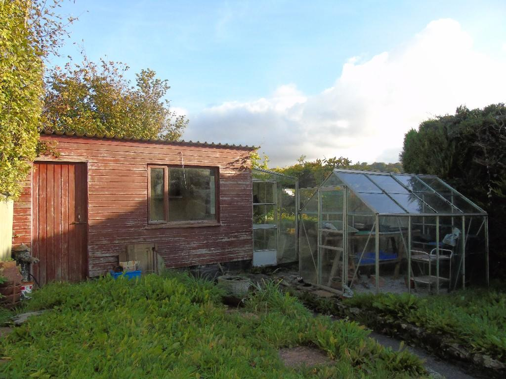 Outbuilding & G/hse