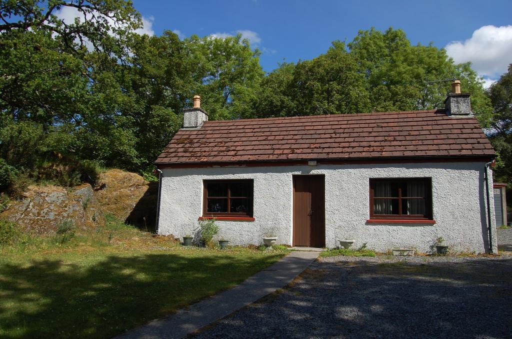 3 Bedroom Cottage For Sale In Torran Cottage Lochinver