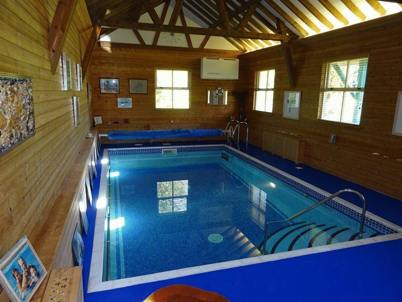 Swimming pool/...