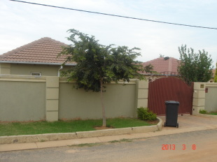 3 bedroom property in Gauteng, Randburg