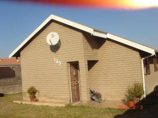 2 bedroom home in Gauteng, Randburg