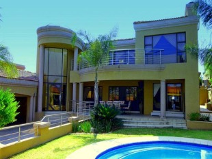 4 bedroom home in Gauteng, Randburg