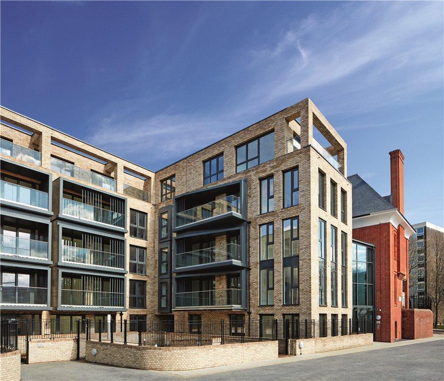 2 Bedroom Flat For Sale In Battersea Bridge Road, London