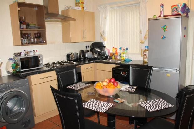 2 bedroom end of terrace house for sale in eva road for Terrace kitchen diner