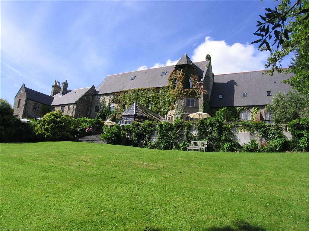 Leisure Facility For Sale In Peregrine Hall Lostwithiel Cornwall Pl22