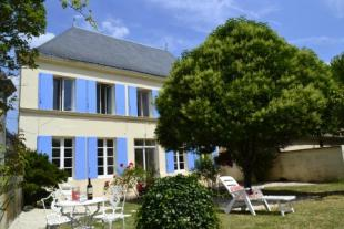 12 bed home for sale in St Jean D'Angely