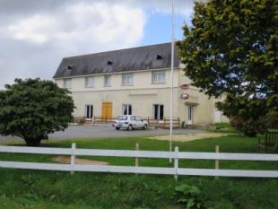 4 bed home in LE CROISTY