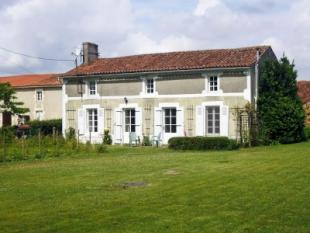 3 bed property for sale in La Chataigneraie