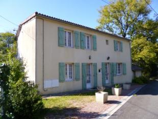 3 bed home in le-vigeant, Vienne...