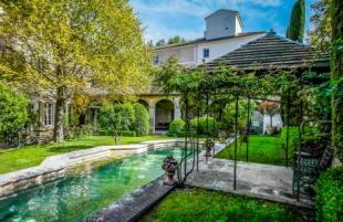 Manor House in avignon, Gard, France