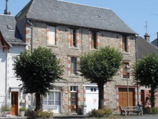 house for sale in champagnac, Cantal...