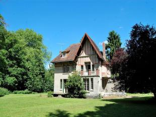 Manor House for sale in Picardy, Somme, Treux