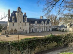 reugny Castle for sale