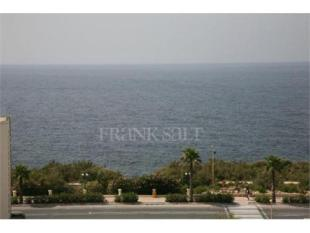 Penthouse for sale in 3 Bedroom Penthouse in...