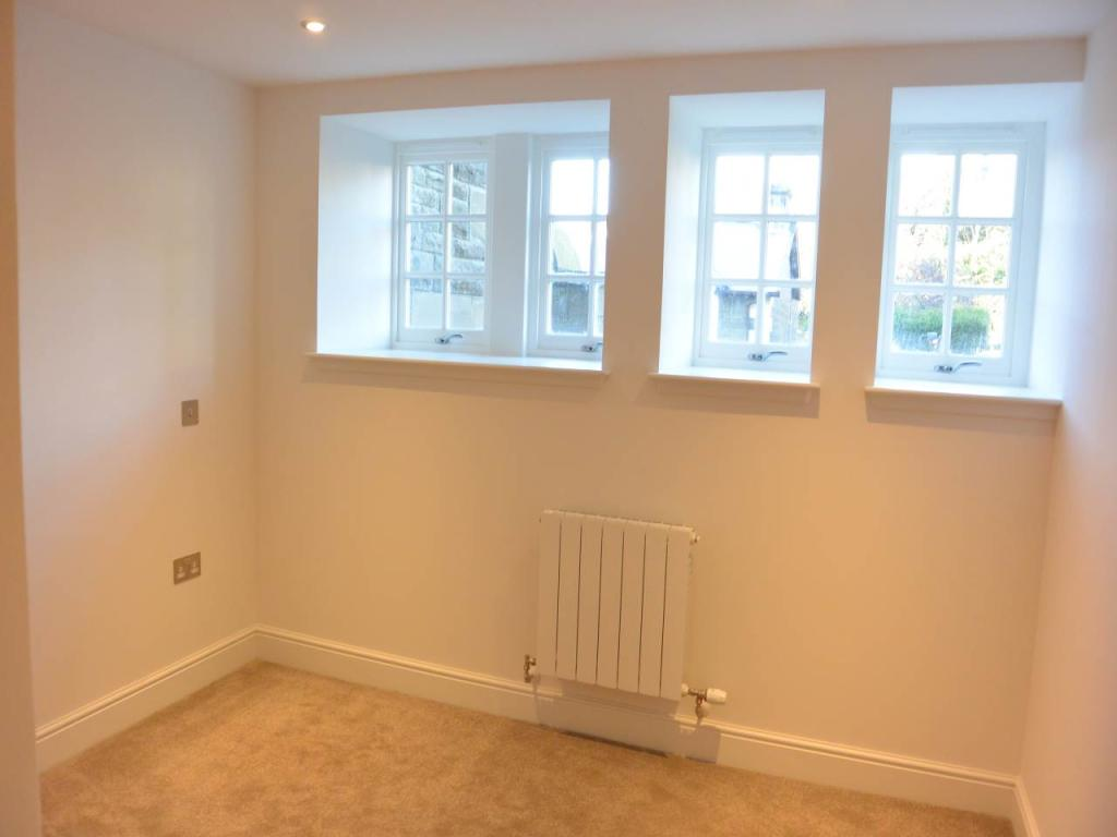 2 Bedroom Apartment To Rent In Whinny Brae Broughty Ferry