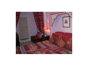 2 bed property for sale in Traditional 2 bedroom...