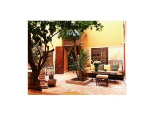 4 bedroom Character Property in Furnished Riad 230m?2; -...