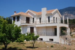 2 bedroom Detached house in Ionian Islands...