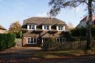 4 bed Detached property in Farnham