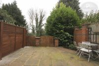 2 bed Flat in Dresden Road, Archway...