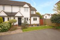 3 bed End of Terrace home for sale in Warfield, Berkshire