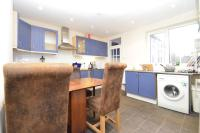 5 bed End of Terrace home to rent in Idmiston Road, Stratford...