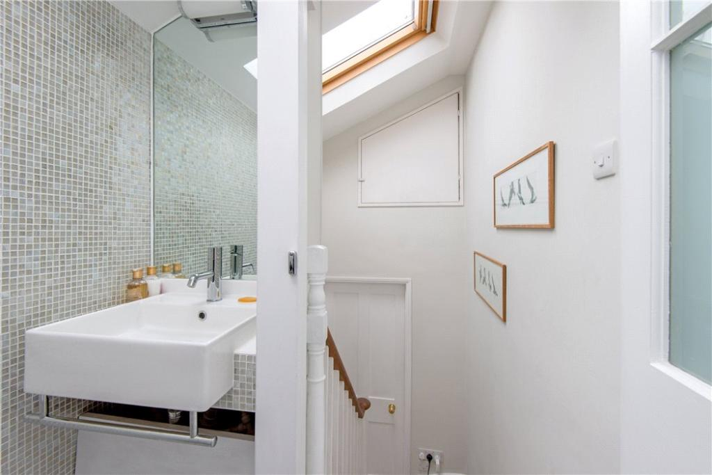 Islington: Bathroom