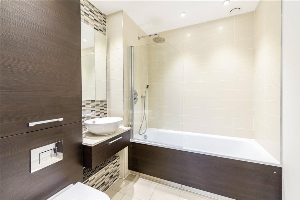 Dalston : Bathroom