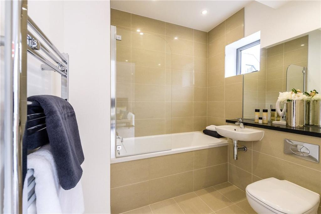 Ec1: Bathroom
