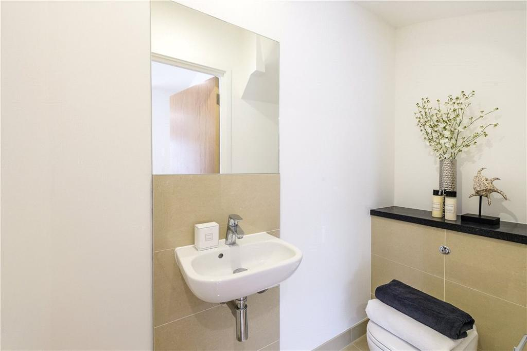 Ec1: Shower Room