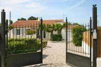 Villa for sale in L'isle-Sur-La-Sorgue...