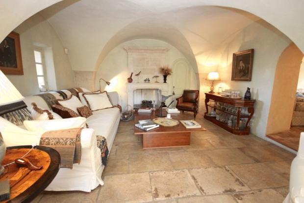 Vaulted sitting room
