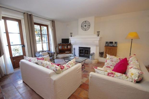 Sitting room opens