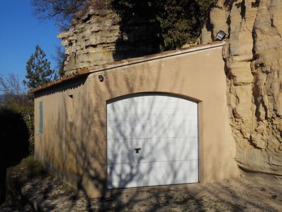 Lockup garage
