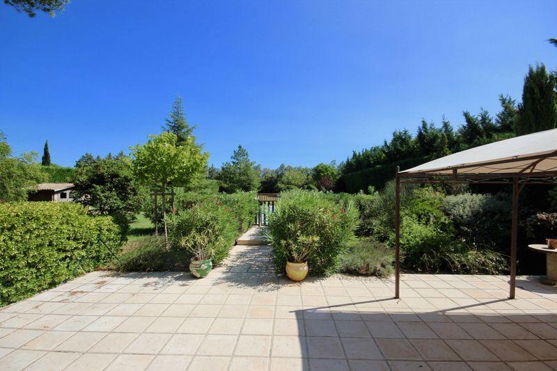 Detached home in 84800, Lagnes, Vaucluse
