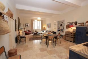 Flat for sale in 84800...