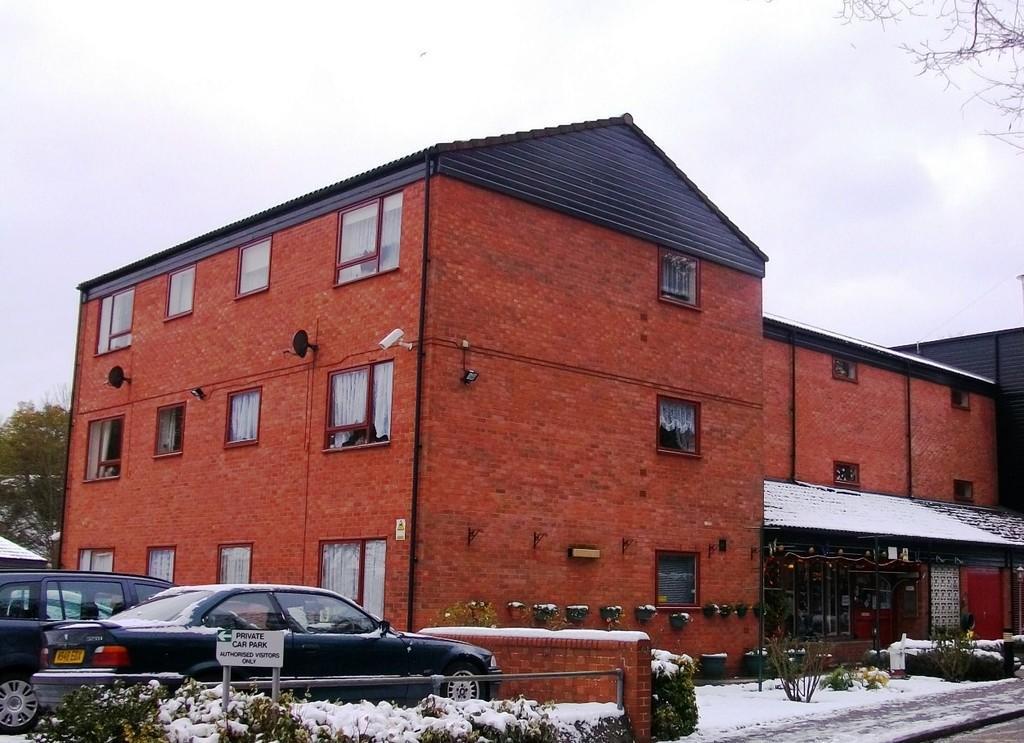 Ground Floor Studio Flat To Rent In Trafalgar House Ipswich Ip4